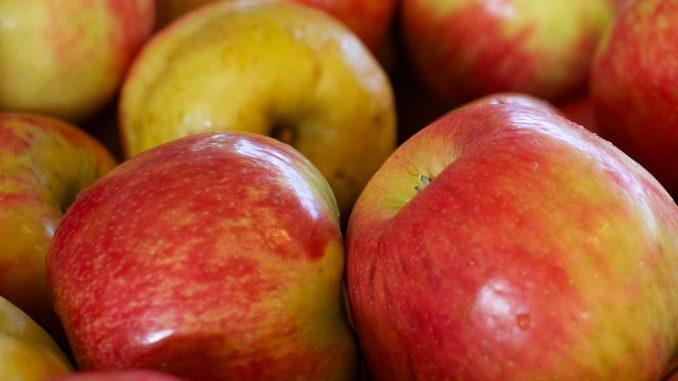 Jabłka – najczęściej spożywane, ale czy najbardziej opłacalne